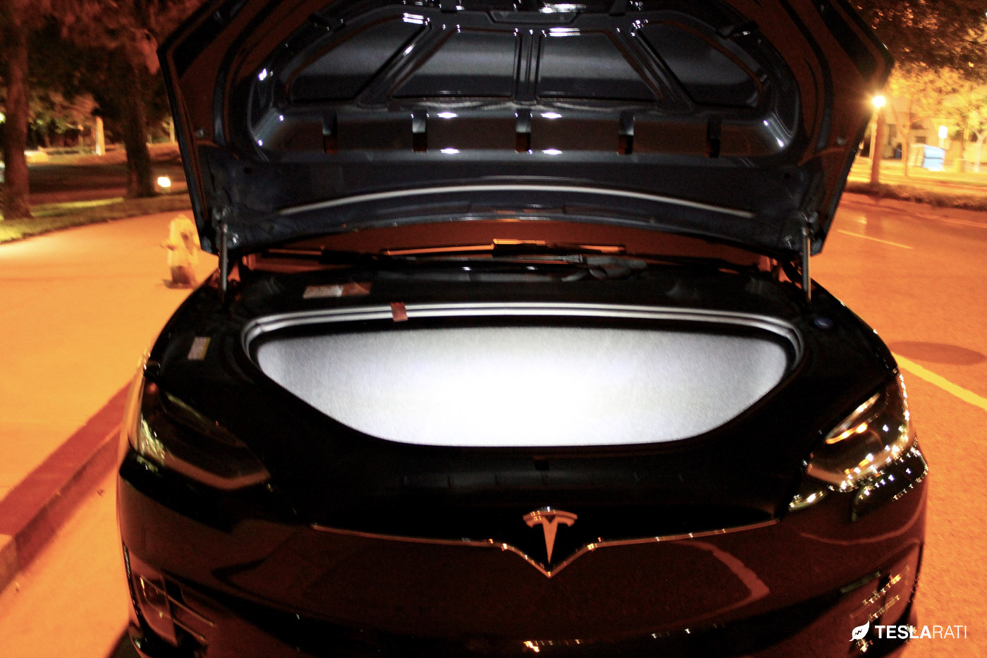 Tesla-Model-X-Ultra-Bright-LED-Frunk-2