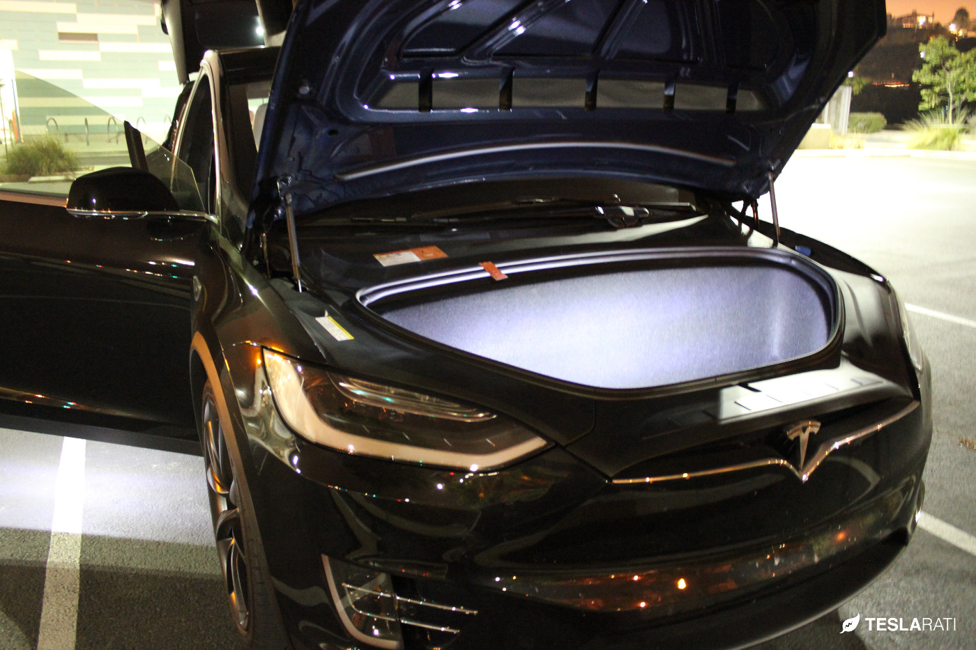 Tesla-Model-X-Ultra-Bright-LED-Frunk-3