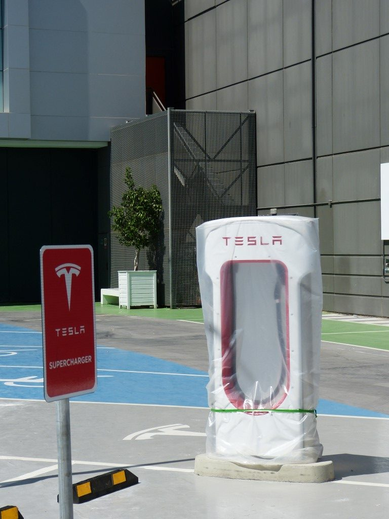 Tesla-Supercharger-Murcia-Spain-3