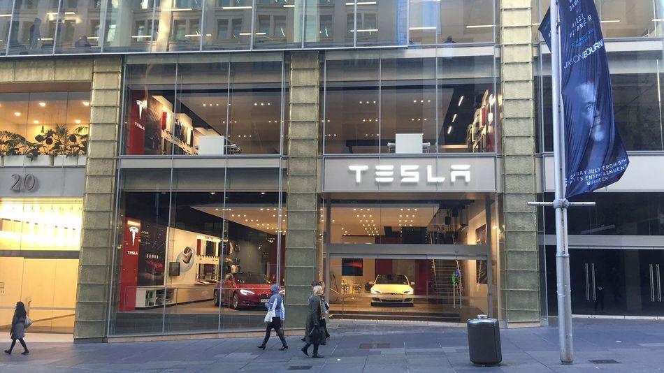 Tesla-Sydney-Australia-Gallery-Store-glass