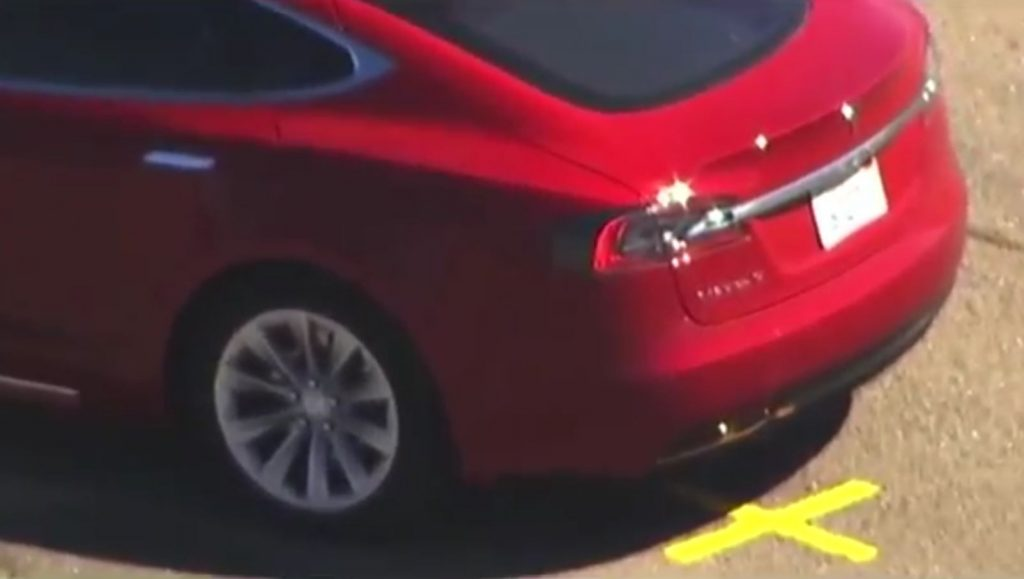 Tesla Model S with painted rear valence rockers