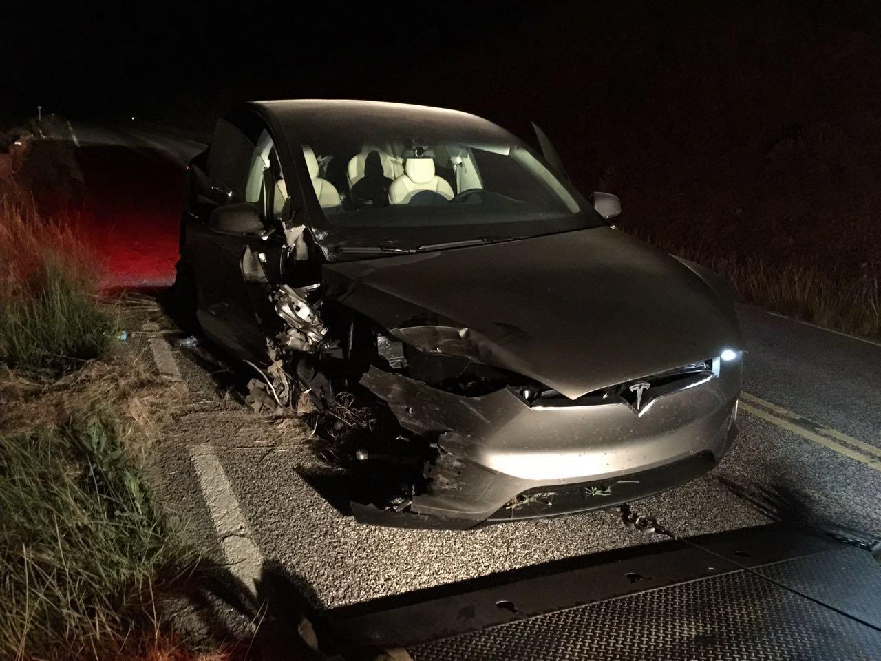 Tesla-Model-X-crash-Montana-front