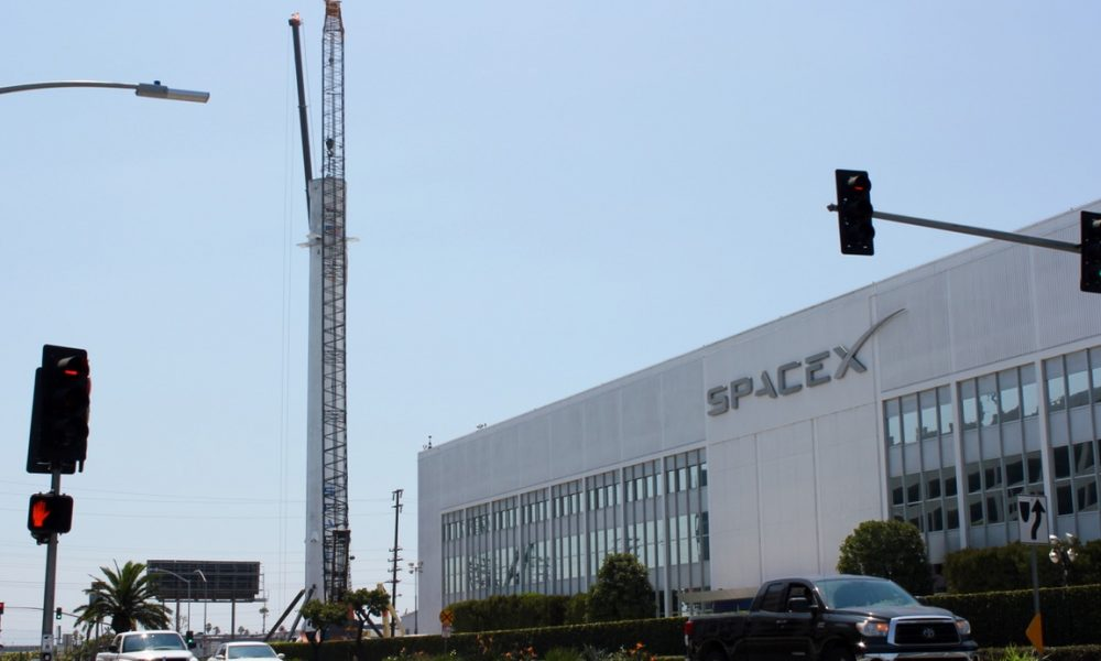 spacex hawthorne layoffs - 1000×600