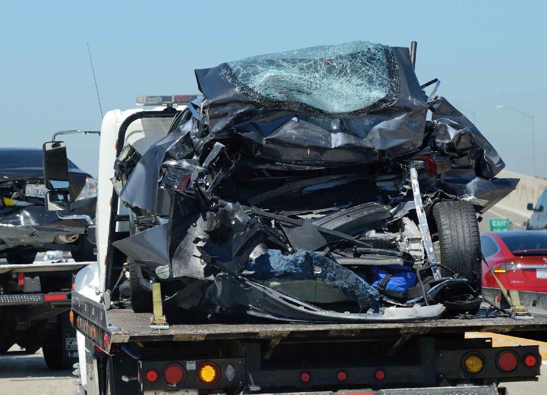 tesla crash on 405