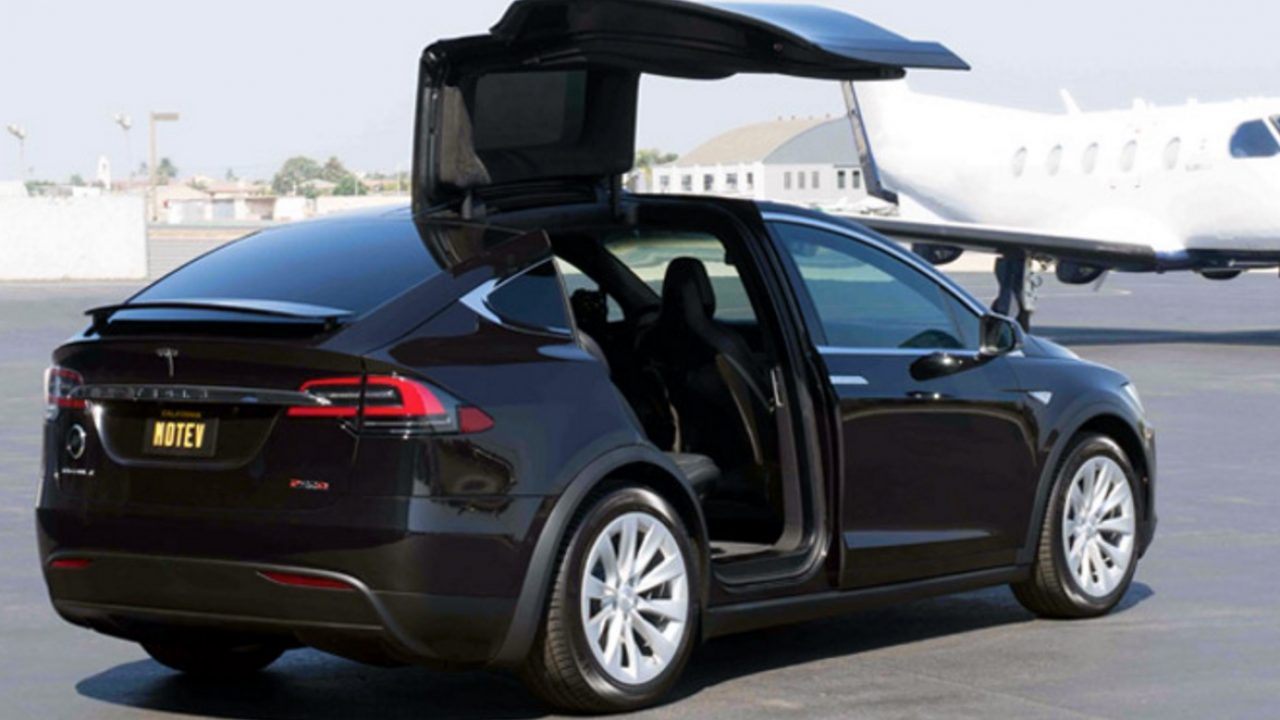 Morgan Freeman S Driver Launches Tesla Only Black Car Service