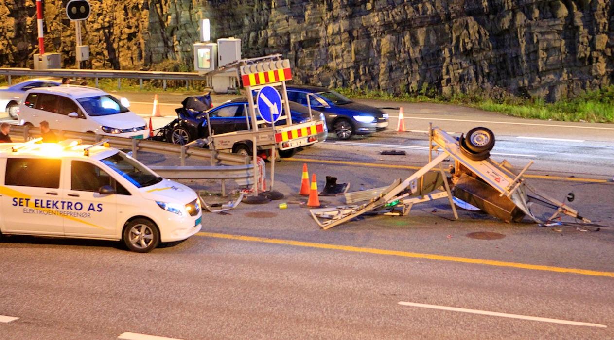 tesla-model-s-crash-norway-highway-2