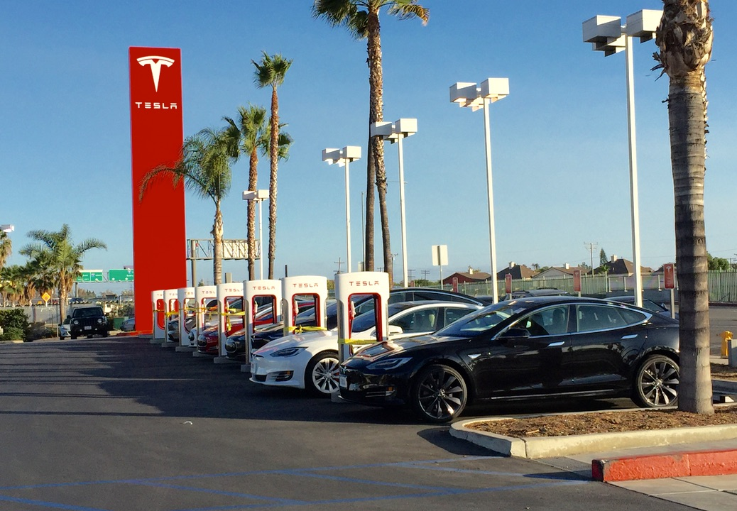 Pre Owned Tesla >> Tesla Buena Park Supercharger will connect OC with Disneyland and LA