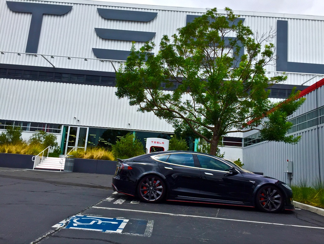 tesla-fremont-factory-supercharger