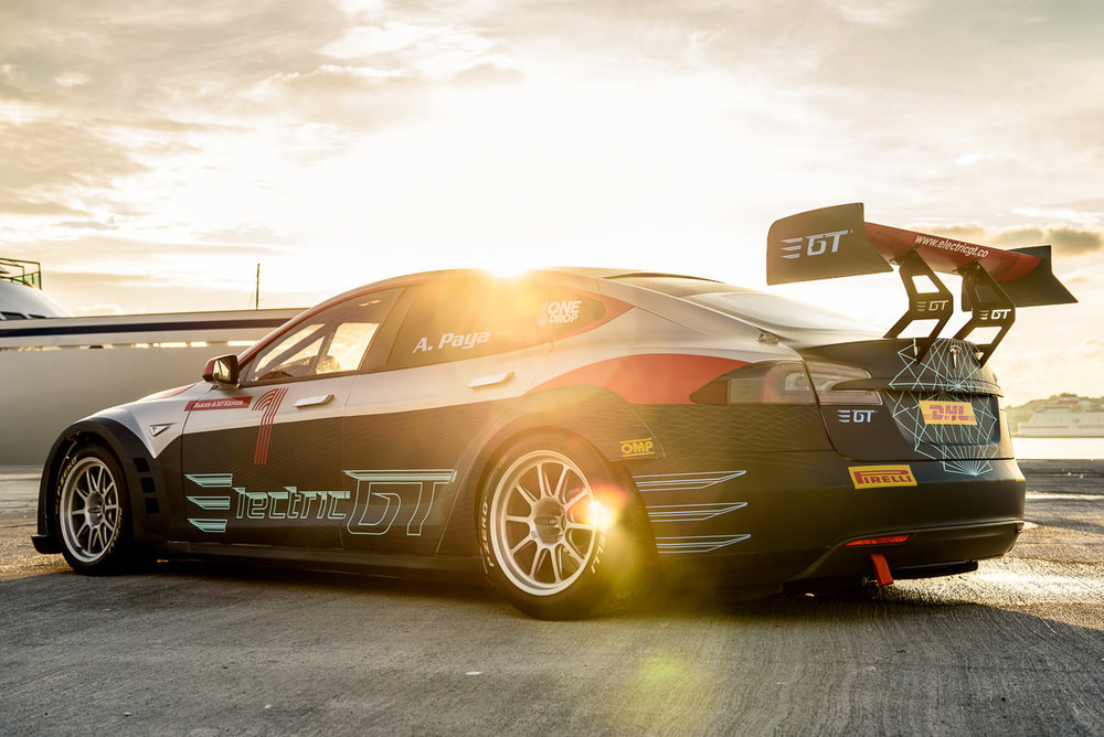 Leilani Münter joins all-Tesla Electric GT Championship as first ...