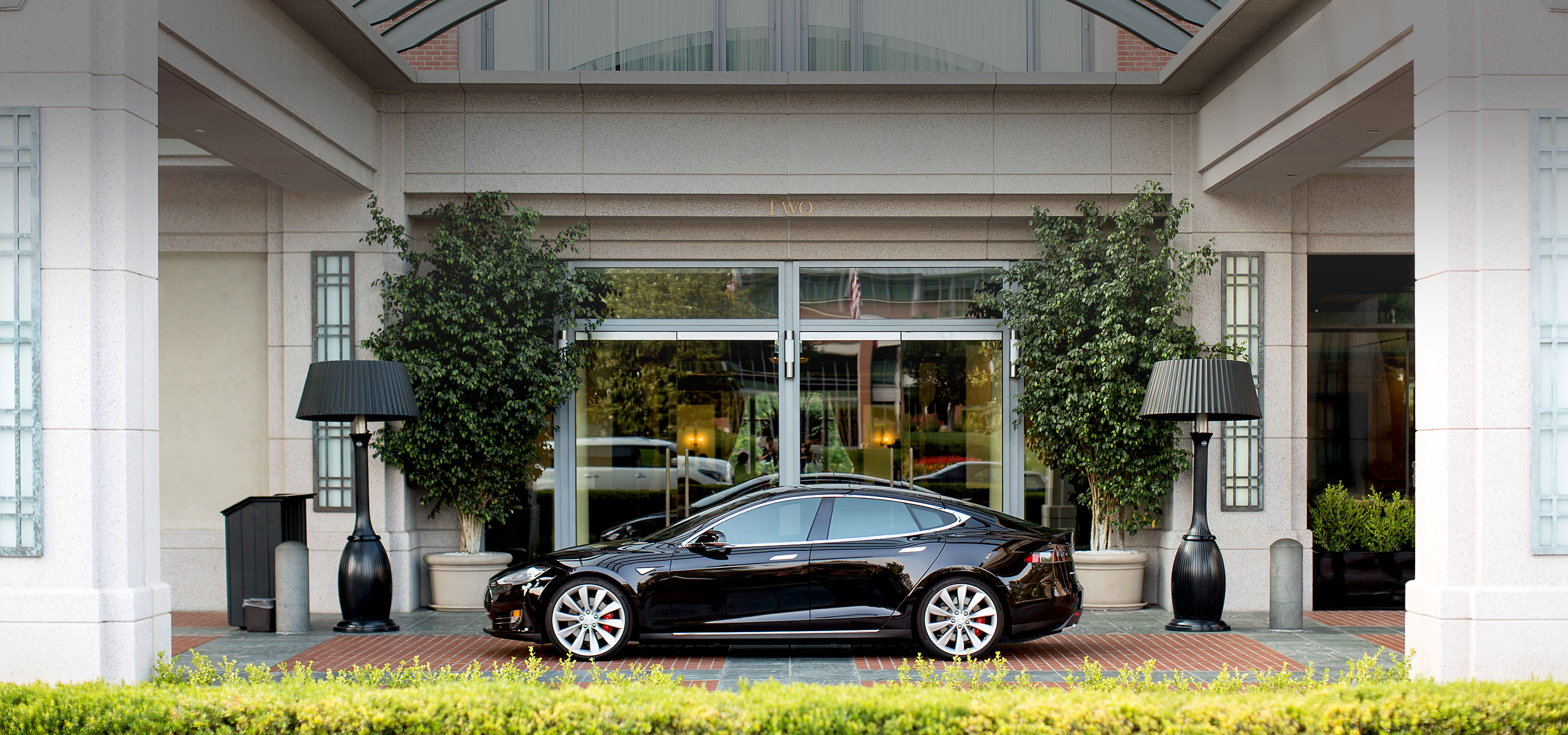 tesla-destination-charging-hotel