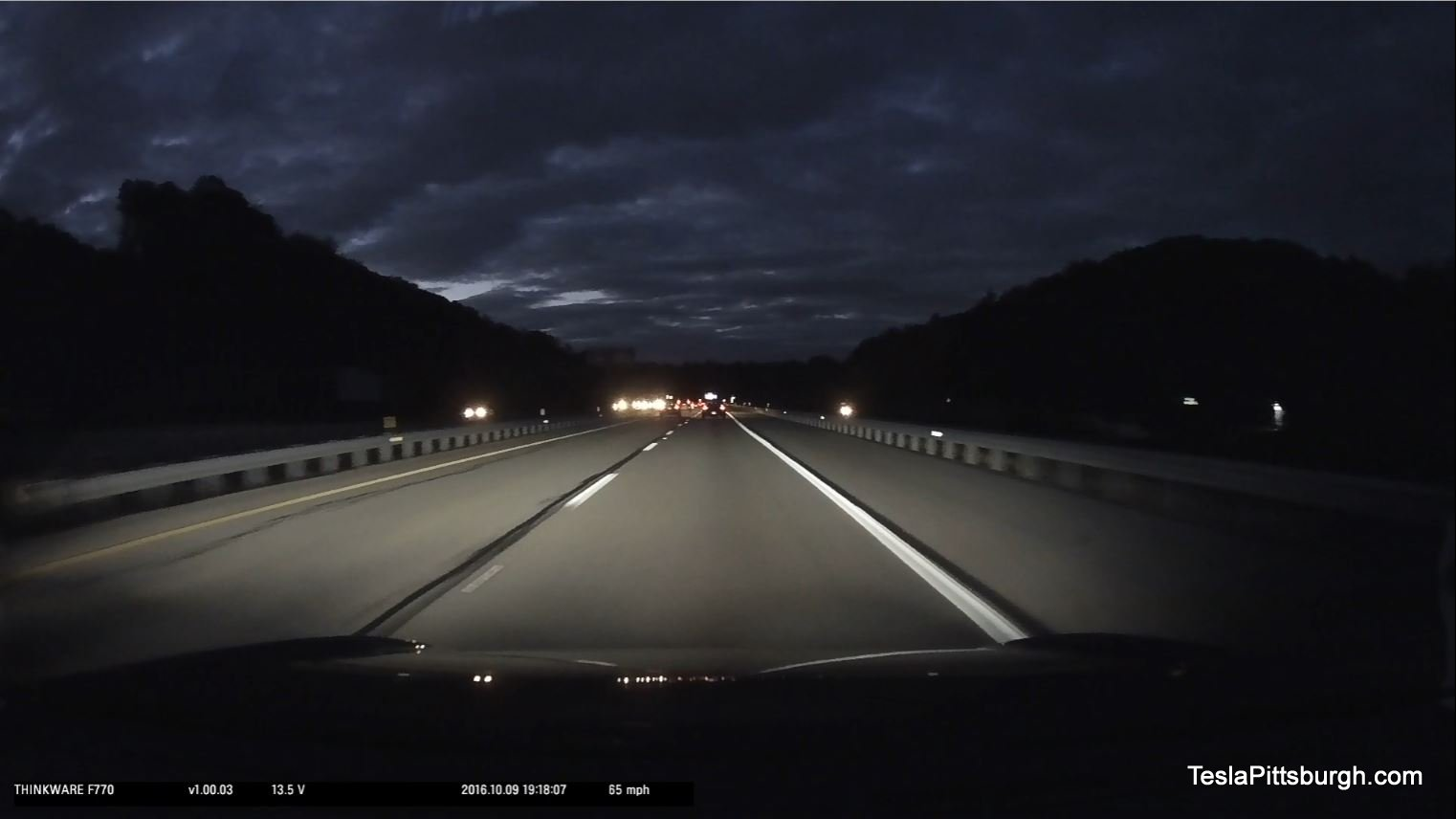 tesla-pittsburgh-dashcam-review-thinkware-f770-camera-279-night-straight