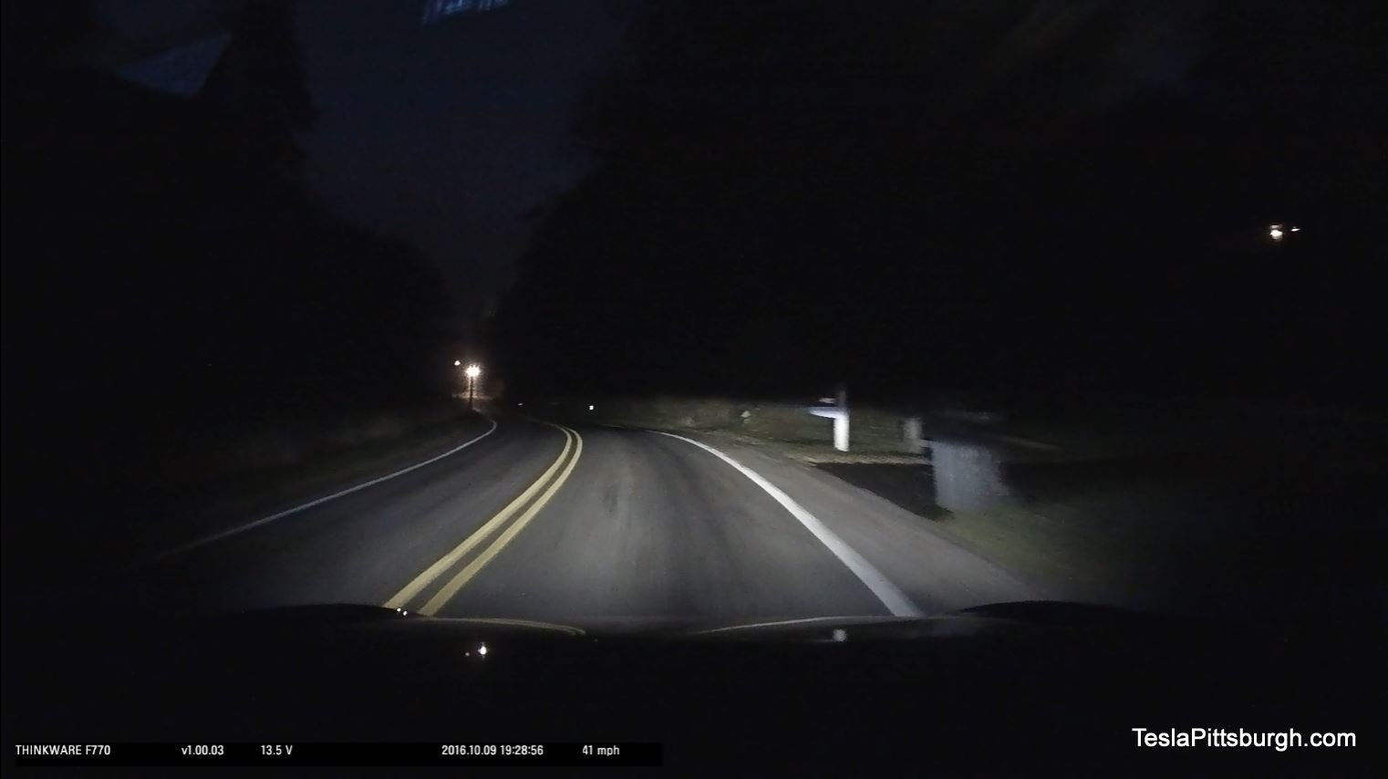 tesla-pittsburgh-dashcam-review-thinkware-f770-camera-mingo-night-driveway