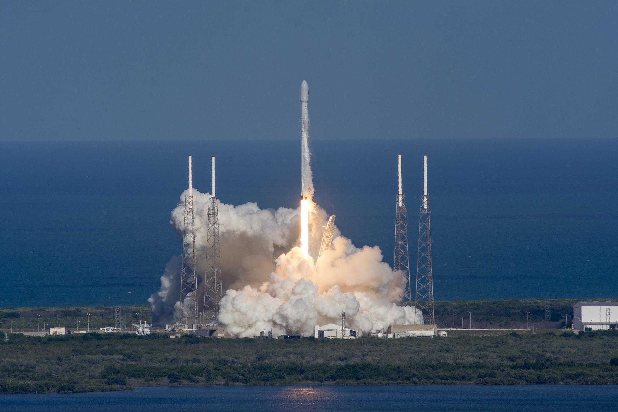 Falcon 9 launches THAICOM 8 | Credit: SpaceX