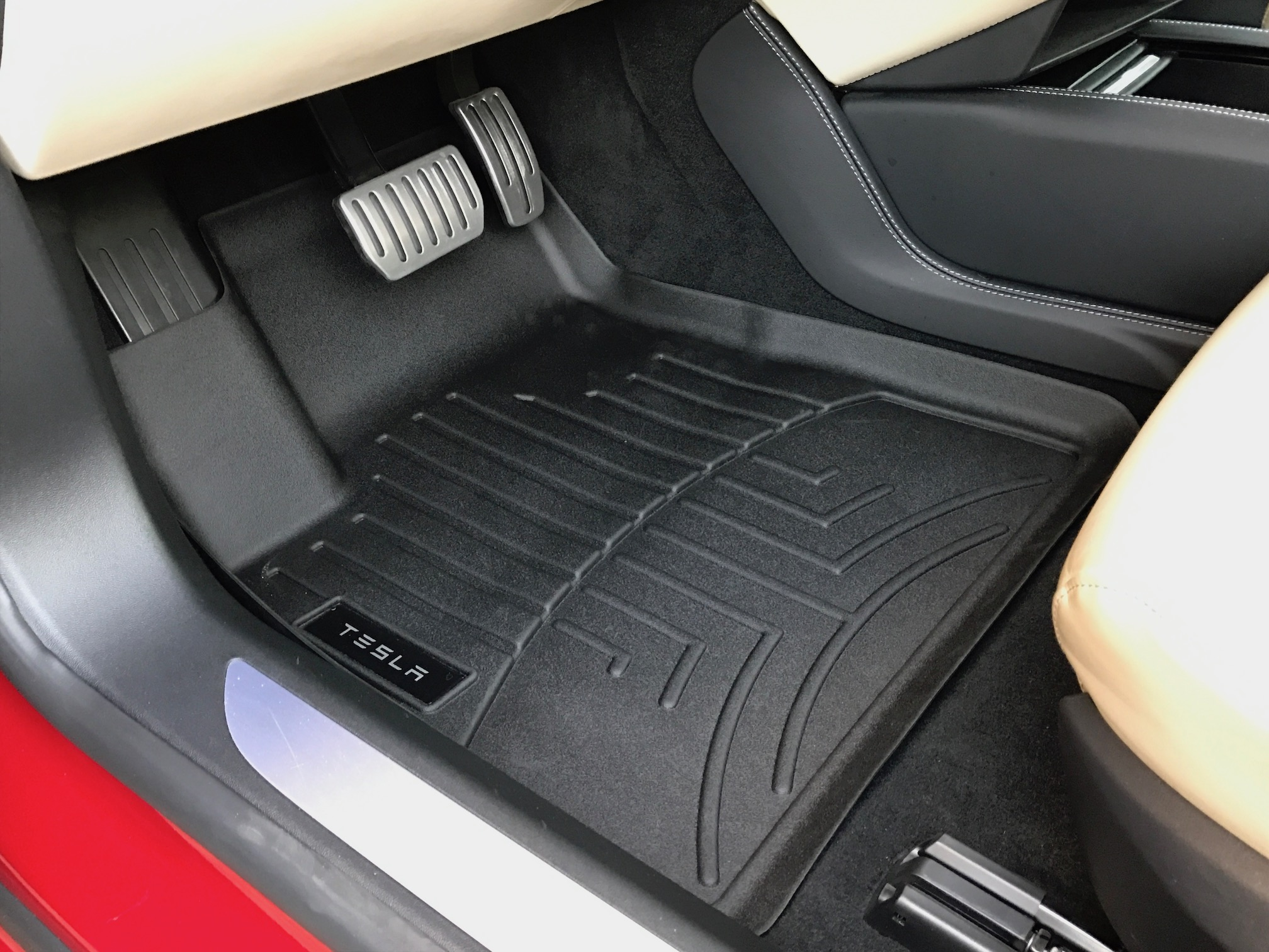 Driver side floor liner mat (Installed)