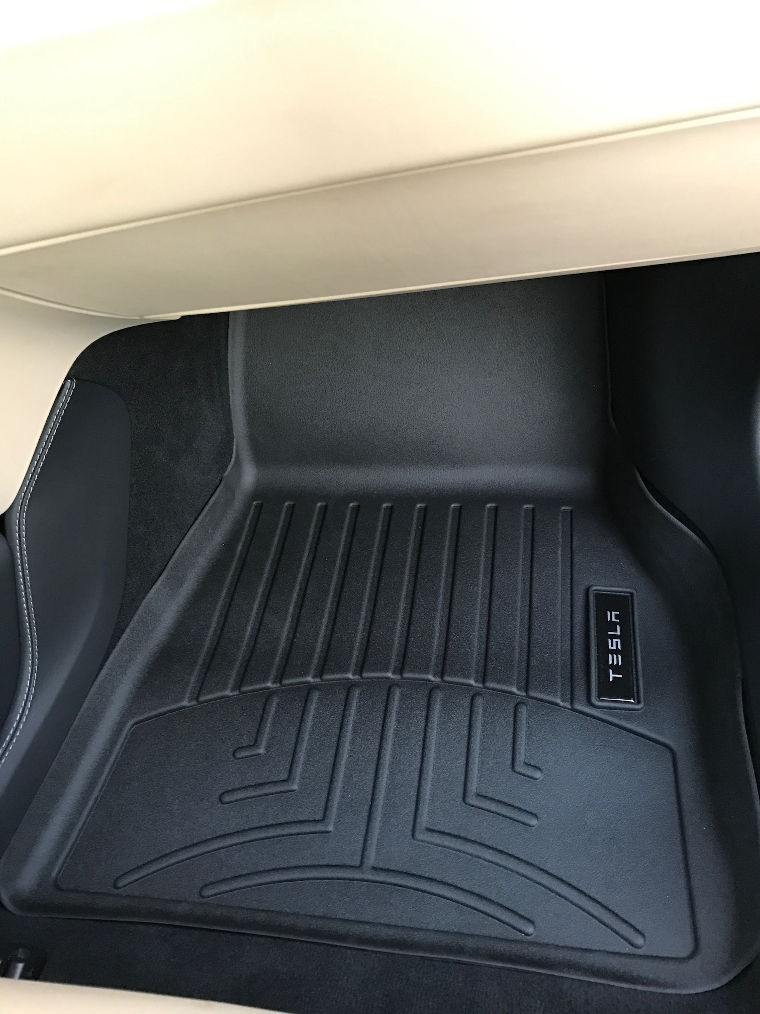 Passenger side floor liner mat (Installed)