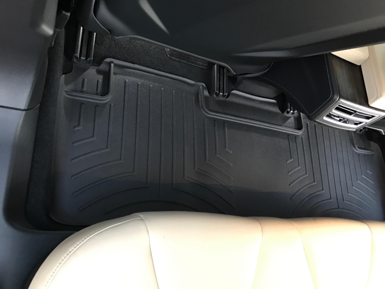 2nd row floor liner mat (Installed)