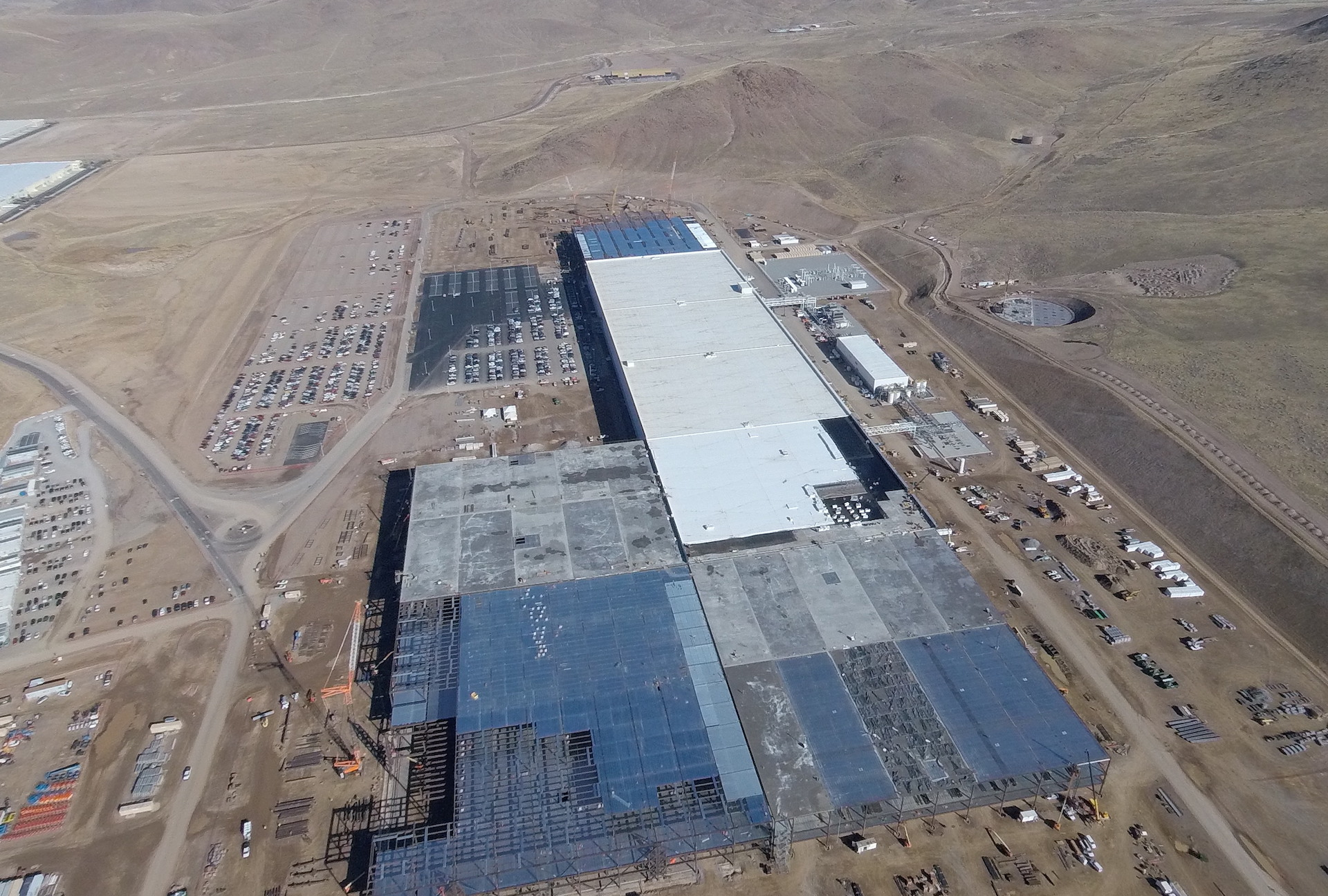tesla-gigafactory-aerial-nov-2-2016-south-end