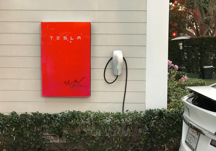 Red Founders Series Tesla Powerwall 2.0