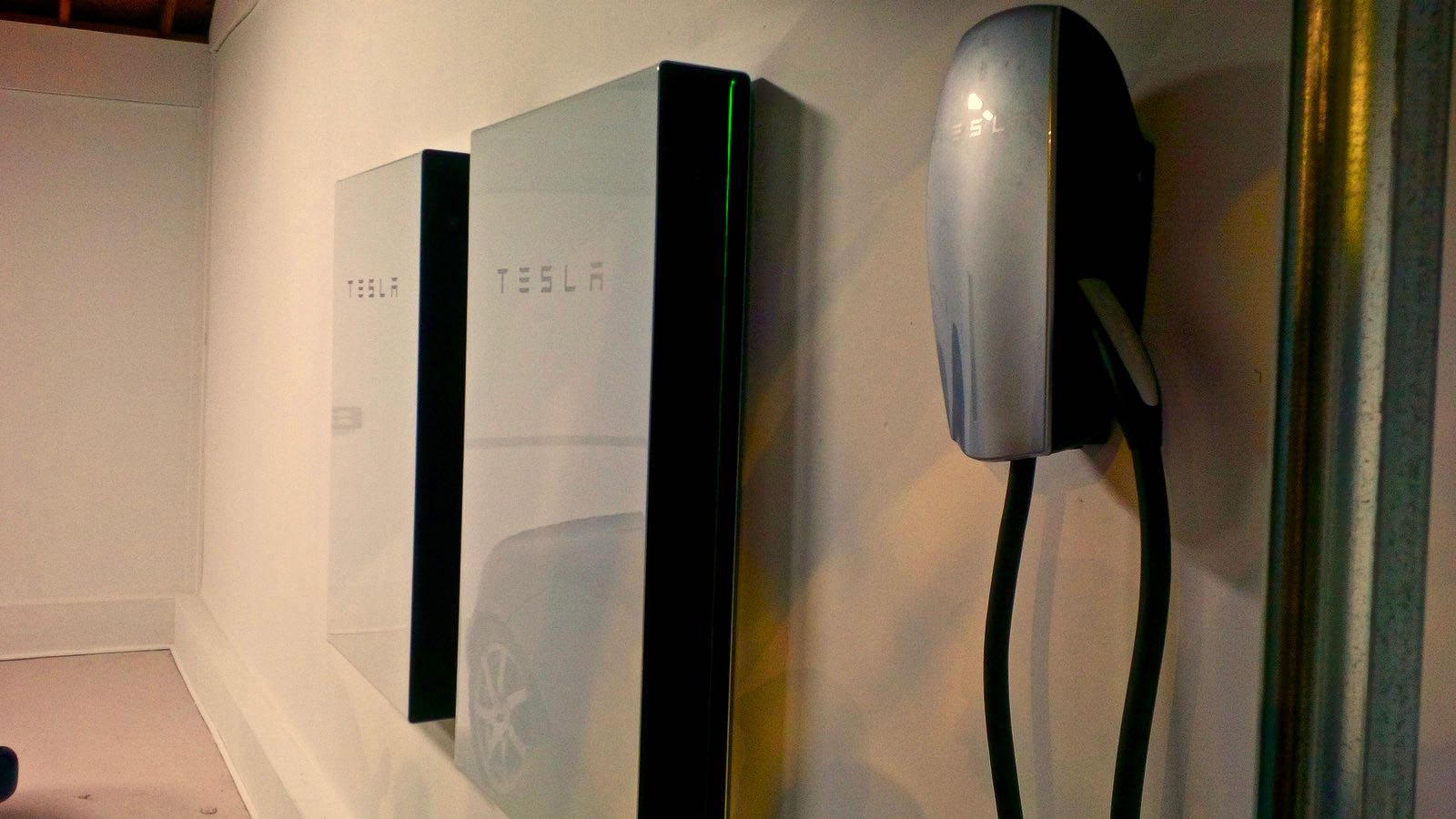 Tesla Wall Battery >> Tesla Powerwall Advocates Fight Proposed Ban On In Home Lithium Ion