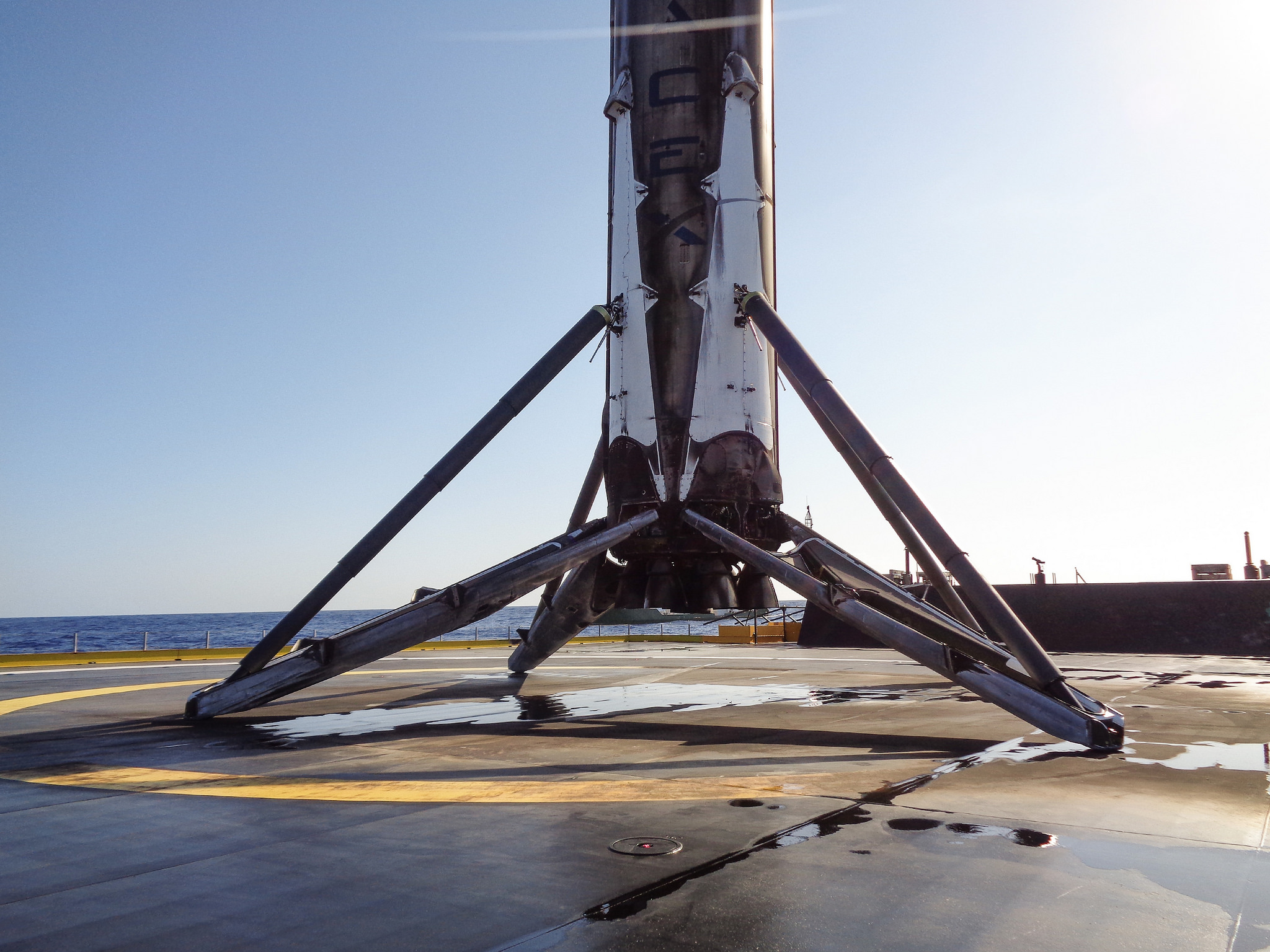 Falcon 9 on the droneship after launching JCSAT-14 | Credit: SpaceX