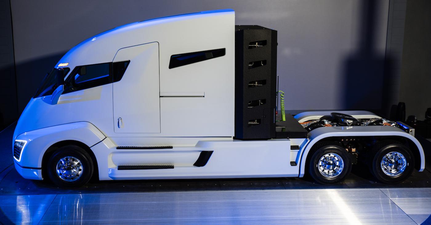 nikola-one-hydrogen-electric-truck-side