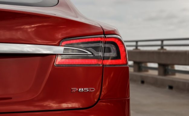 Red-Tesla-Model-S-P85D-badge