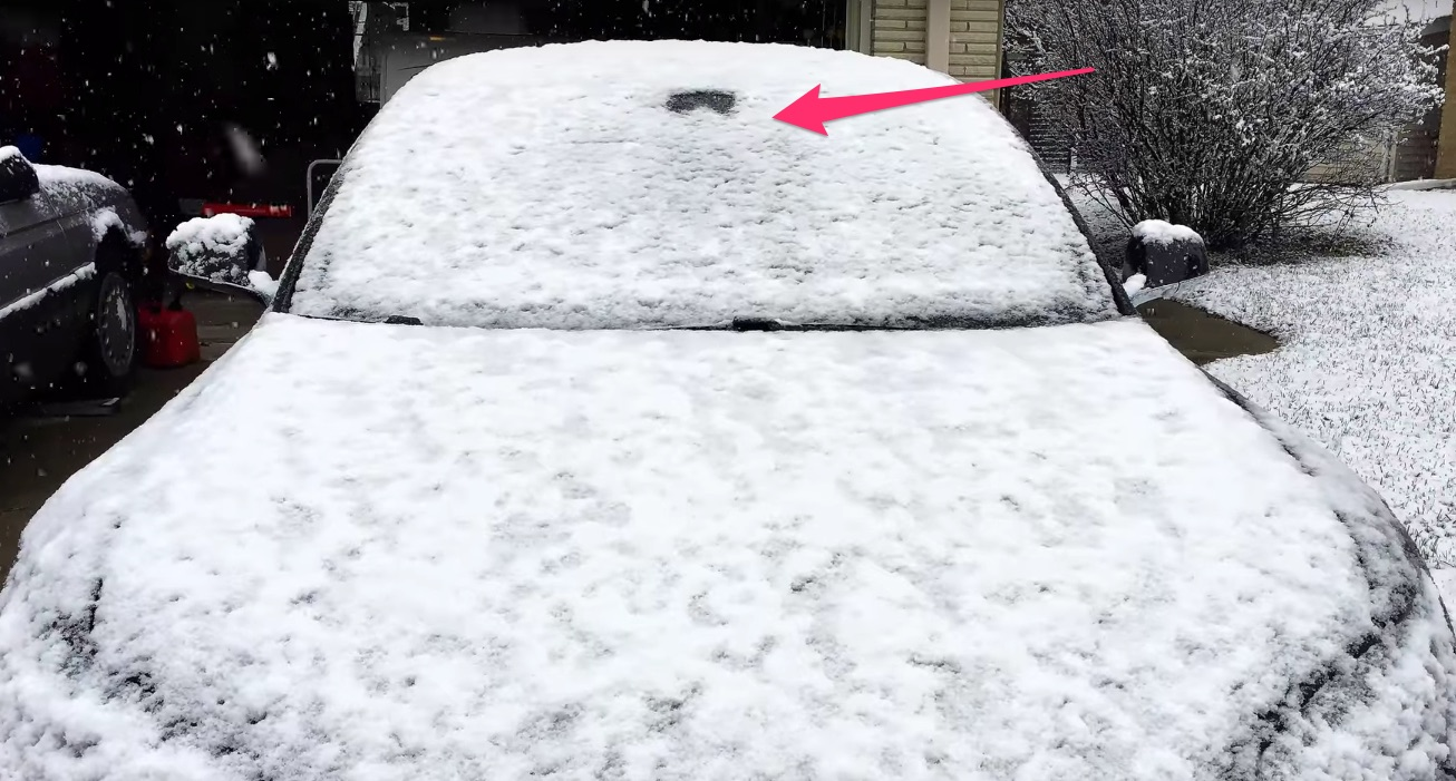 Tesla-Autopilot-Camera-Defroste-melts-snow-ice