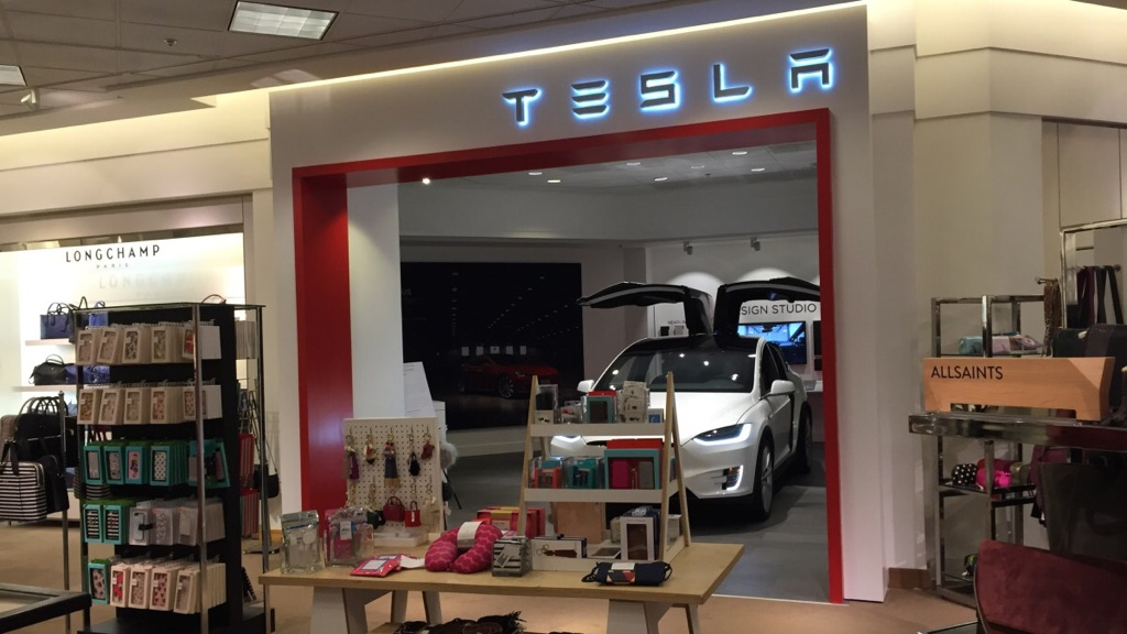Tesla Motors (TSLA) Announces 'Supercharger Idle Fee' To Improve Charging Network Efficiency