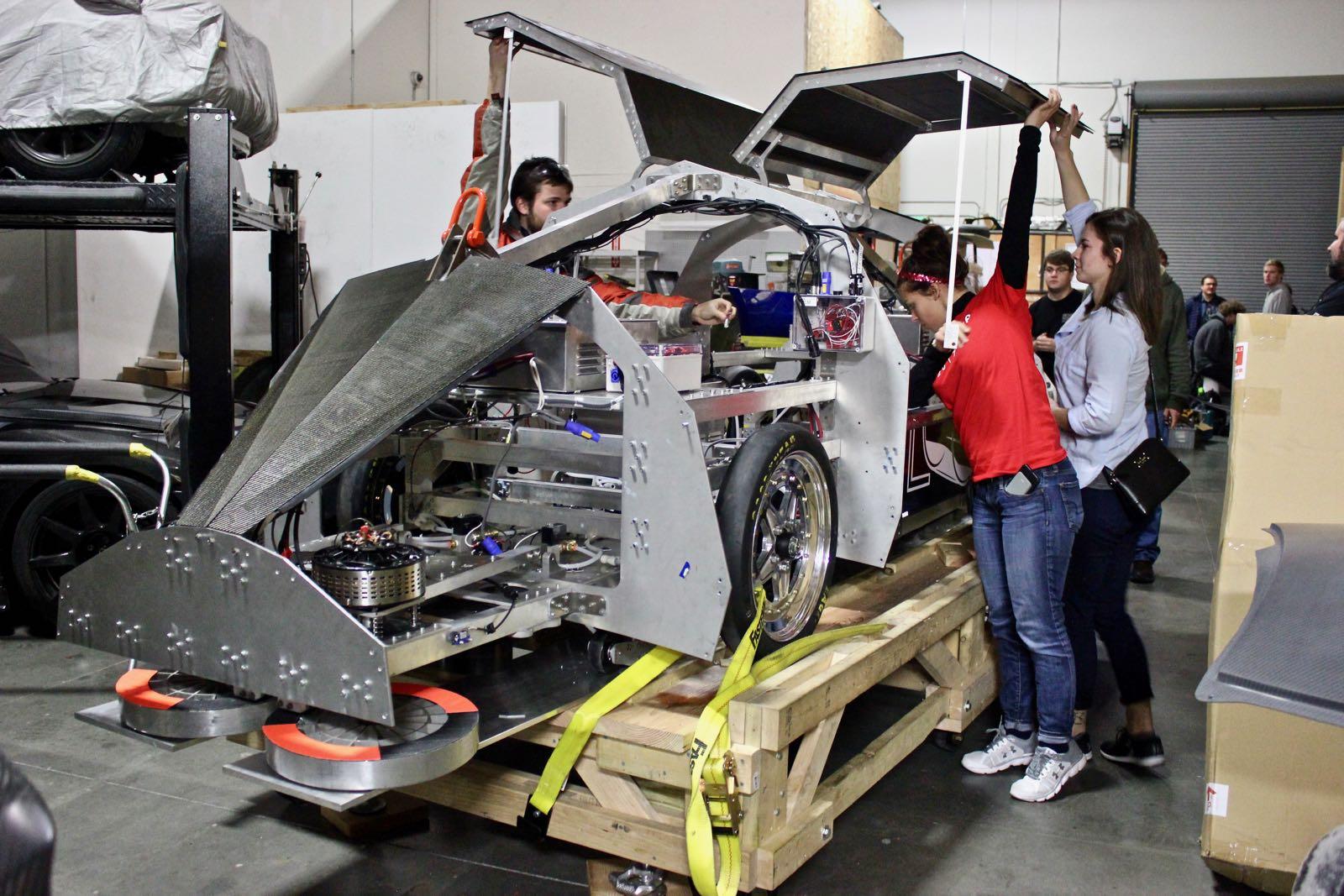 BadgerLoop-Hyperloop-pod-team-doors