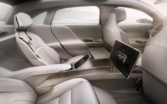 Lucid-Air-executive-rear-seats-2