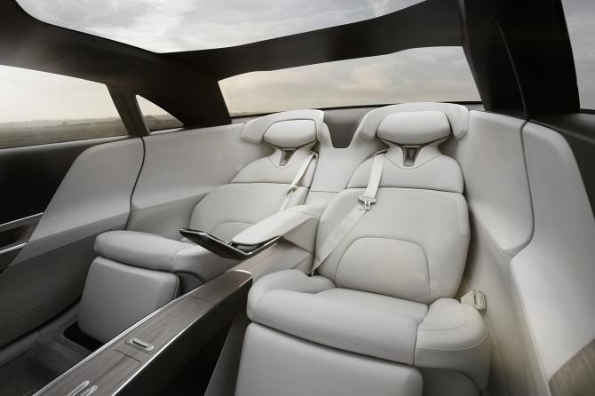 Lucid-Air-executive-rear-seats
