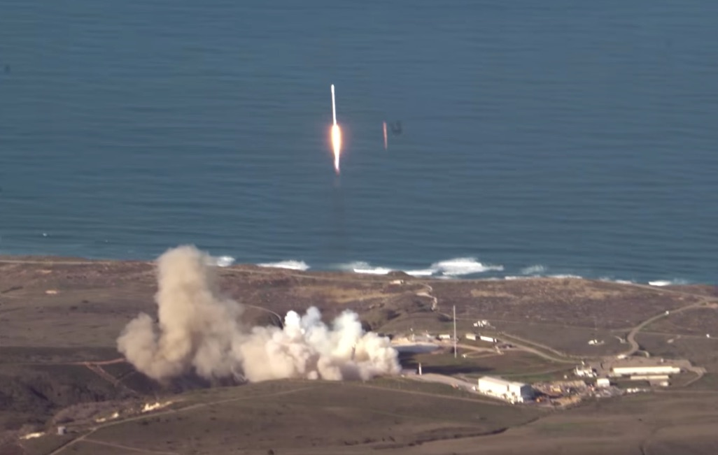 SpaceX-Falcon9-launch-aerial