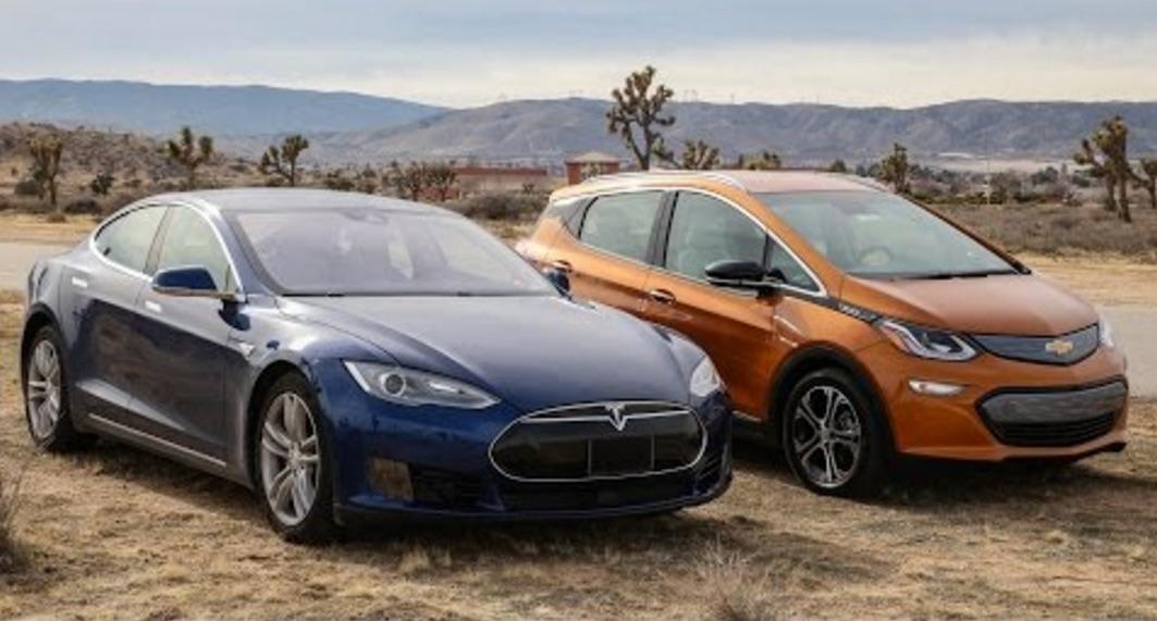 what does a tesla model s owner think of the chevy bolt full review. Black Bedroom Furniture Sets. Home Design Ideas