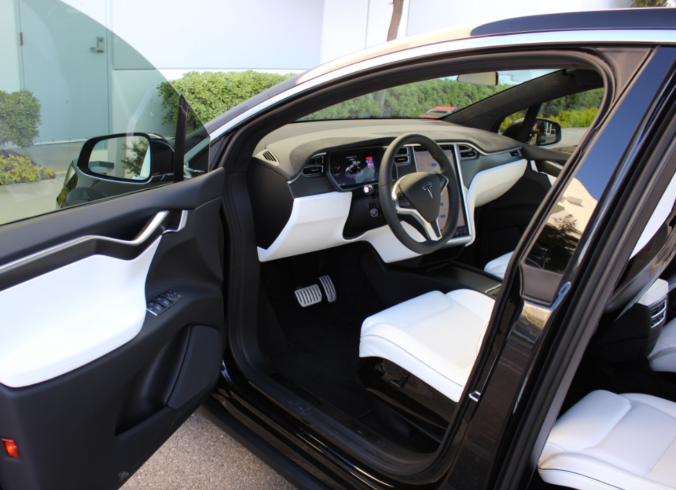 Tesla-Model-X-ultra-white-ventilated-seats