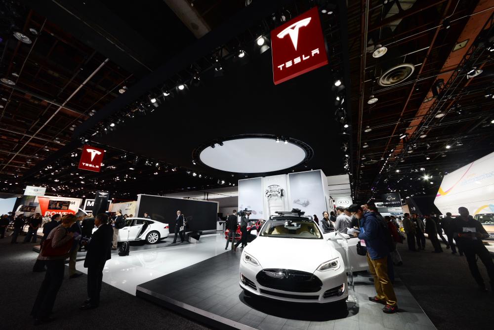 Tesla-detroit-auto-show-exhibit