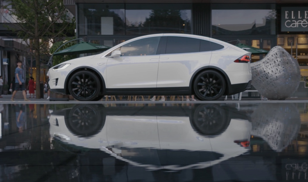 White-Tesla-Model-X-china-reflection