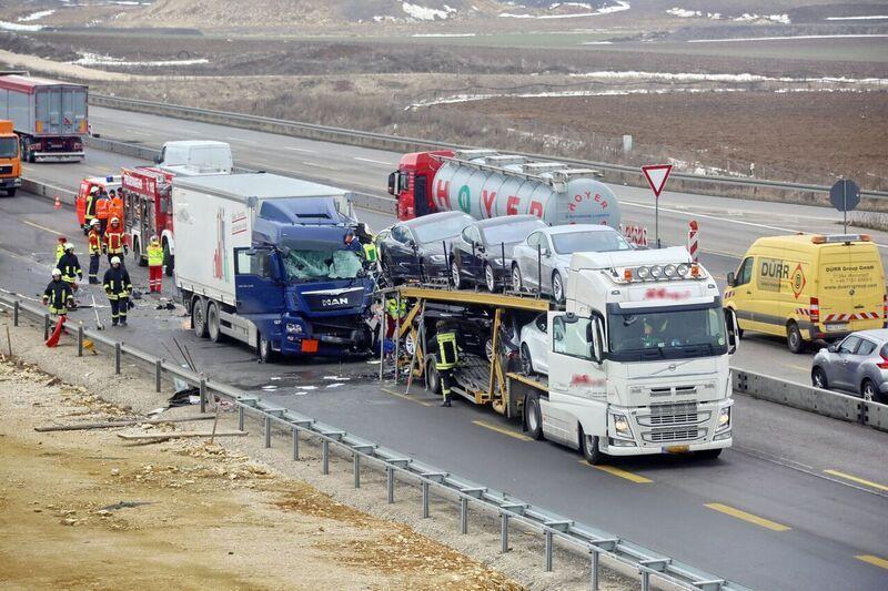 Tesla-transporter-collision-autobahn-Germany-2