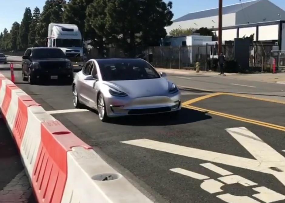 Silver-Tesla-Model-3-test-mule-SpaceX-2