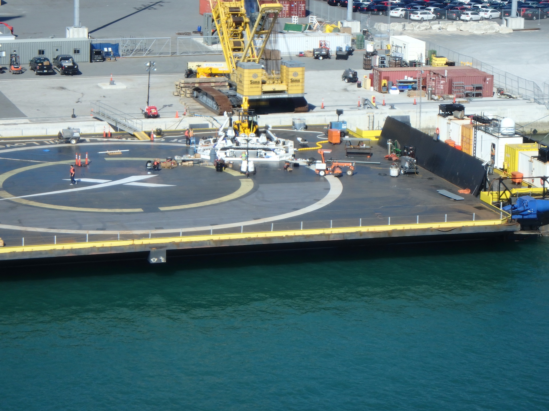 SpaceX-OCISLY-droneship-robot-optimus-prime-3