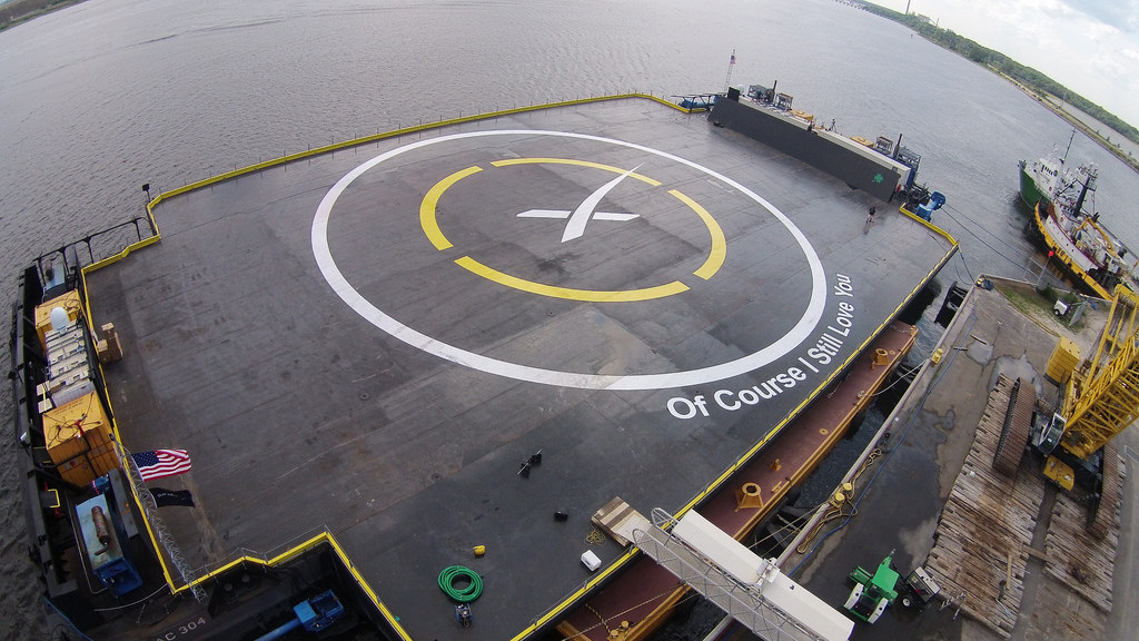 SpaceX-of-course-i-still-love-you-droneship-aerial