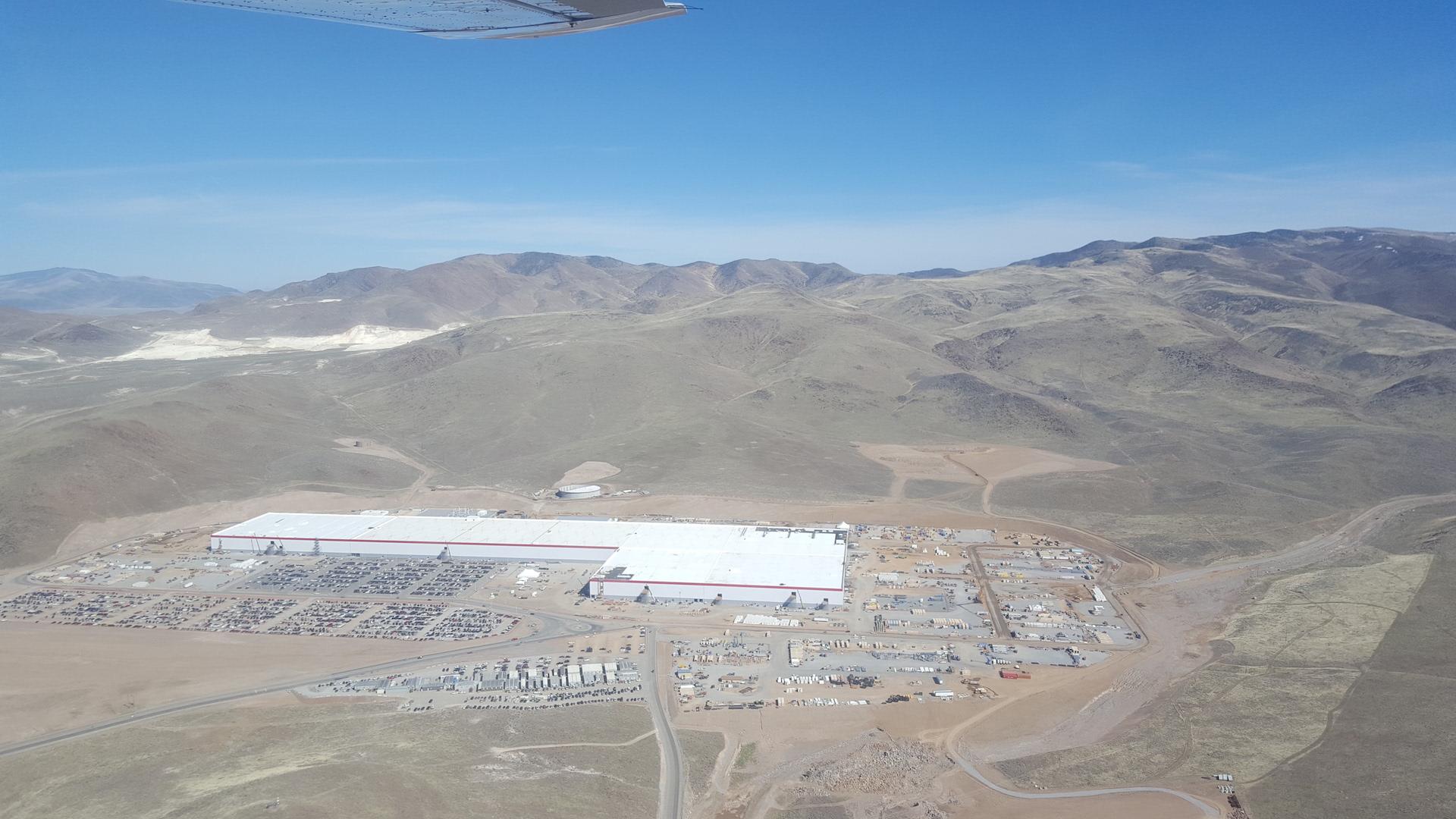 Tesla-Gigafactory-March-2017-teslarati-aerial-3