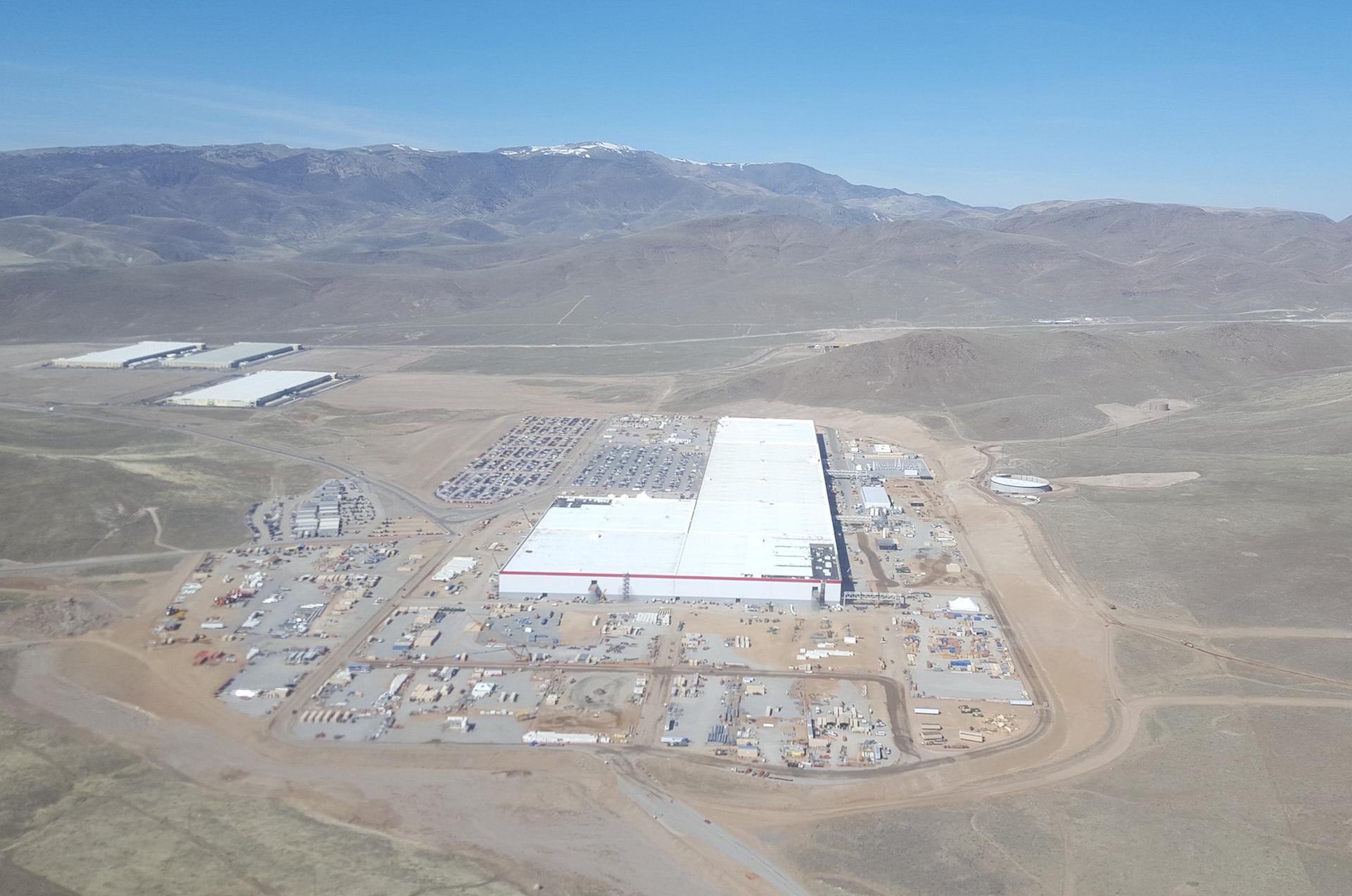 Tesla-Gigafactory-March-2017-teslarati-aerial-4