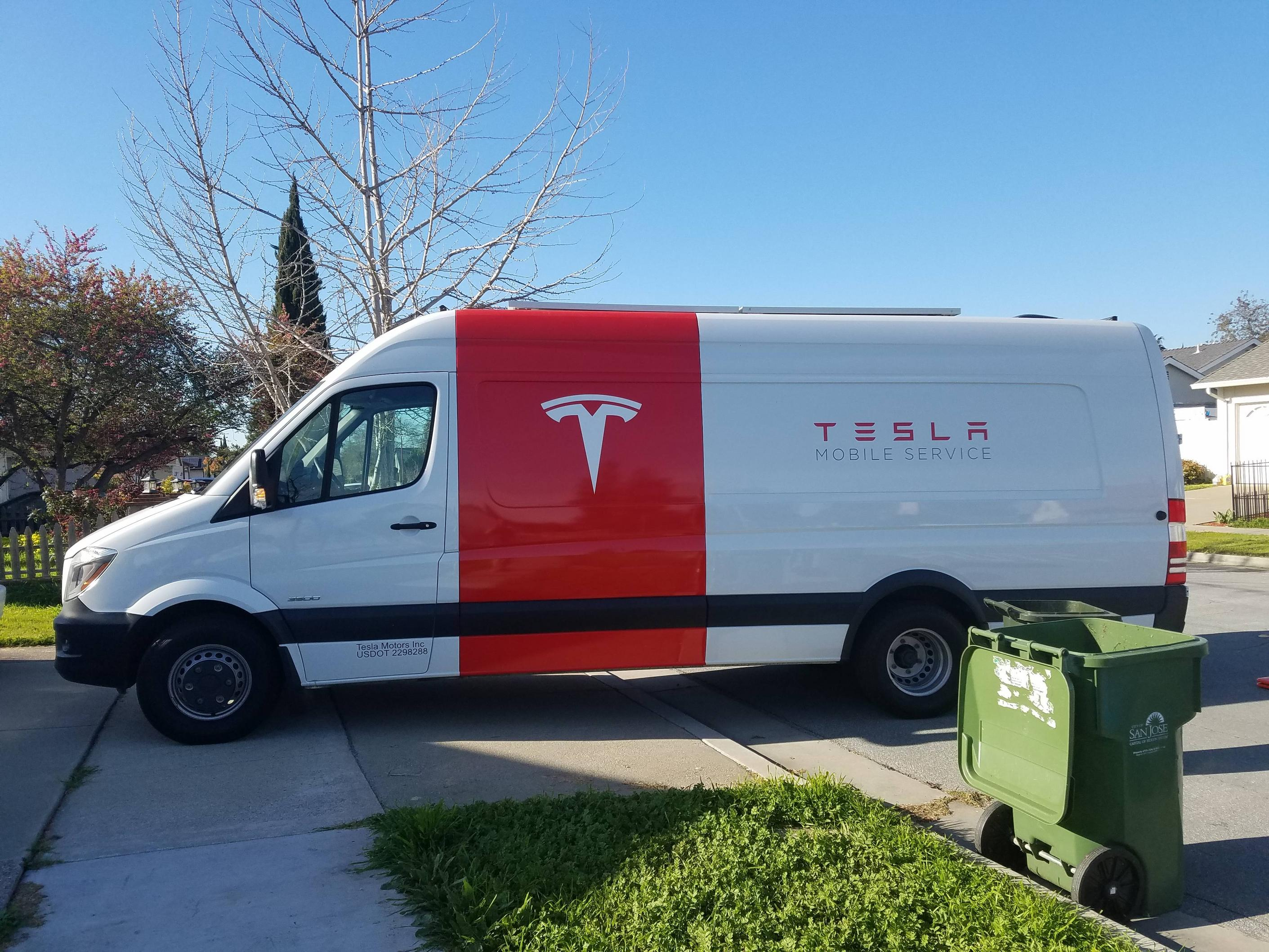 Tesla-mobile-service-van-tire-repair