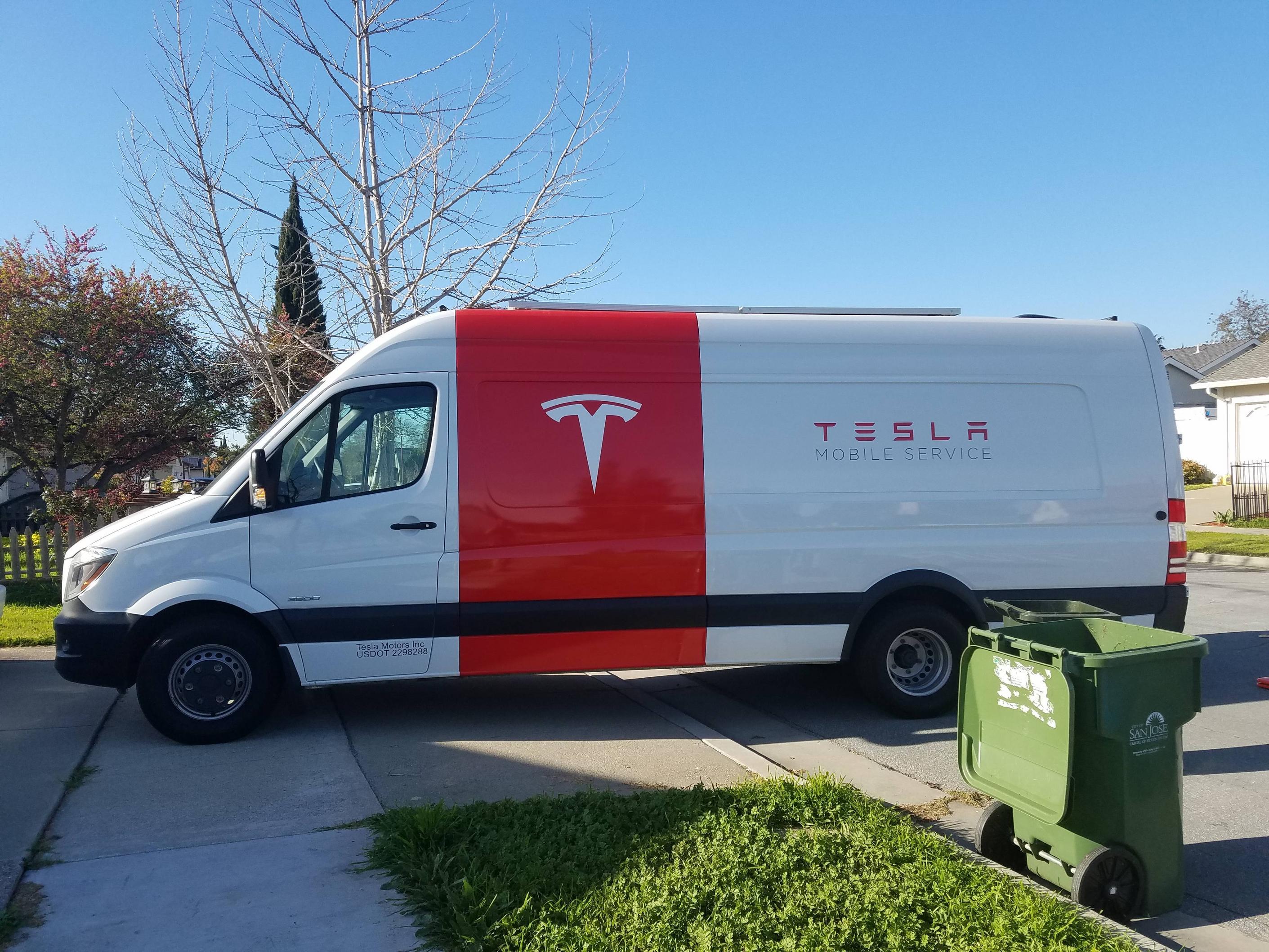 Tesla-mobile-service-van-tire-repair