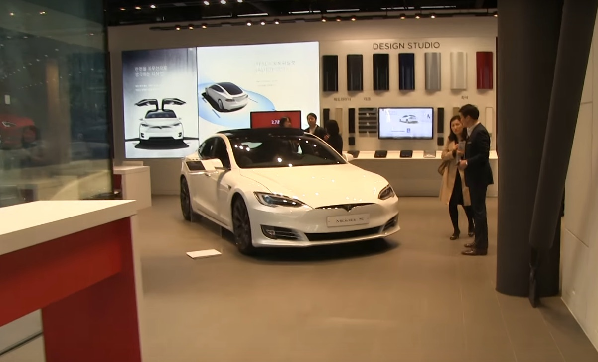 Tesla-south-korea-store-gangnam-seoul