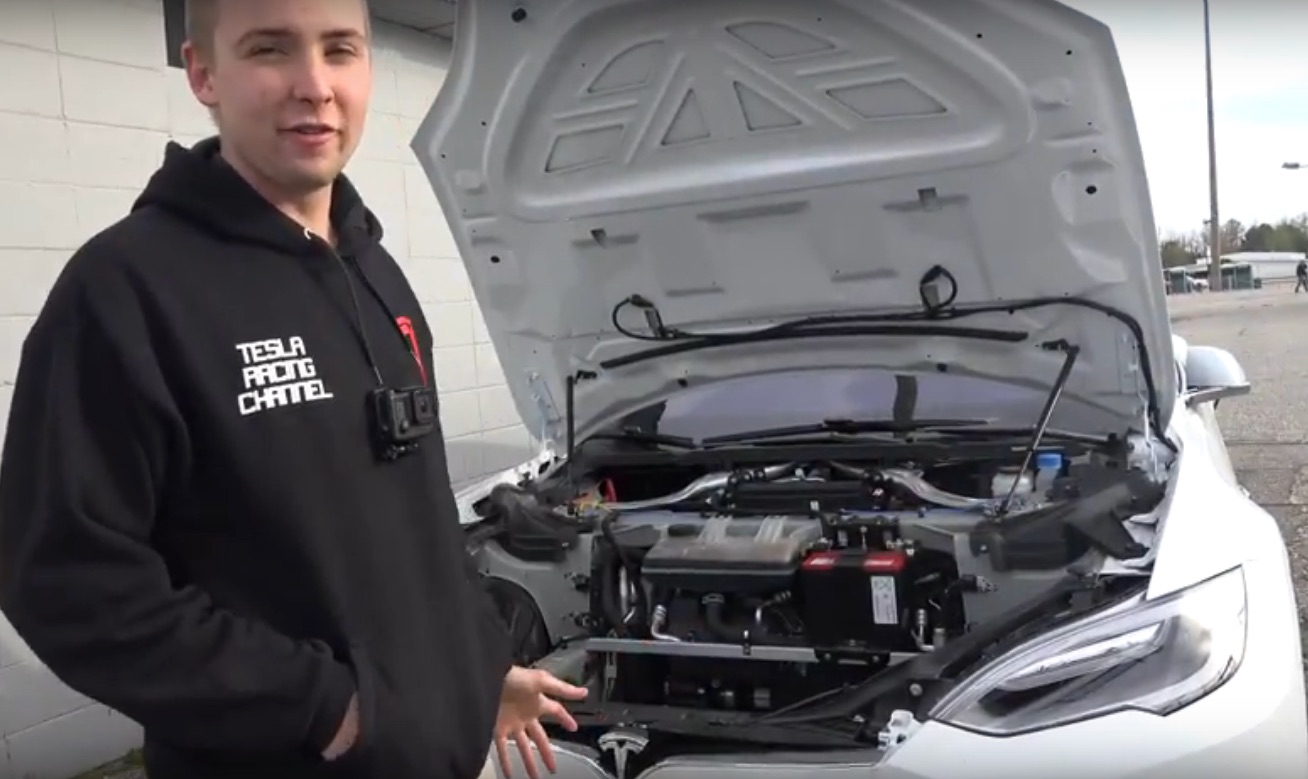 Tesla_P100D-removes-frunk-1_4_Mile_Record