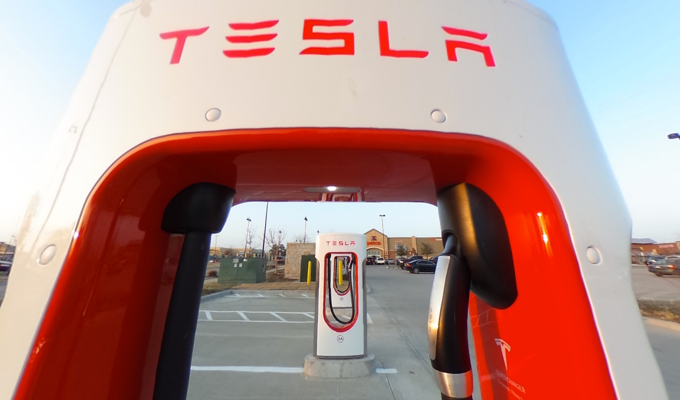 Tesla Updates Free Lifetime Supercharging Policy With Dec