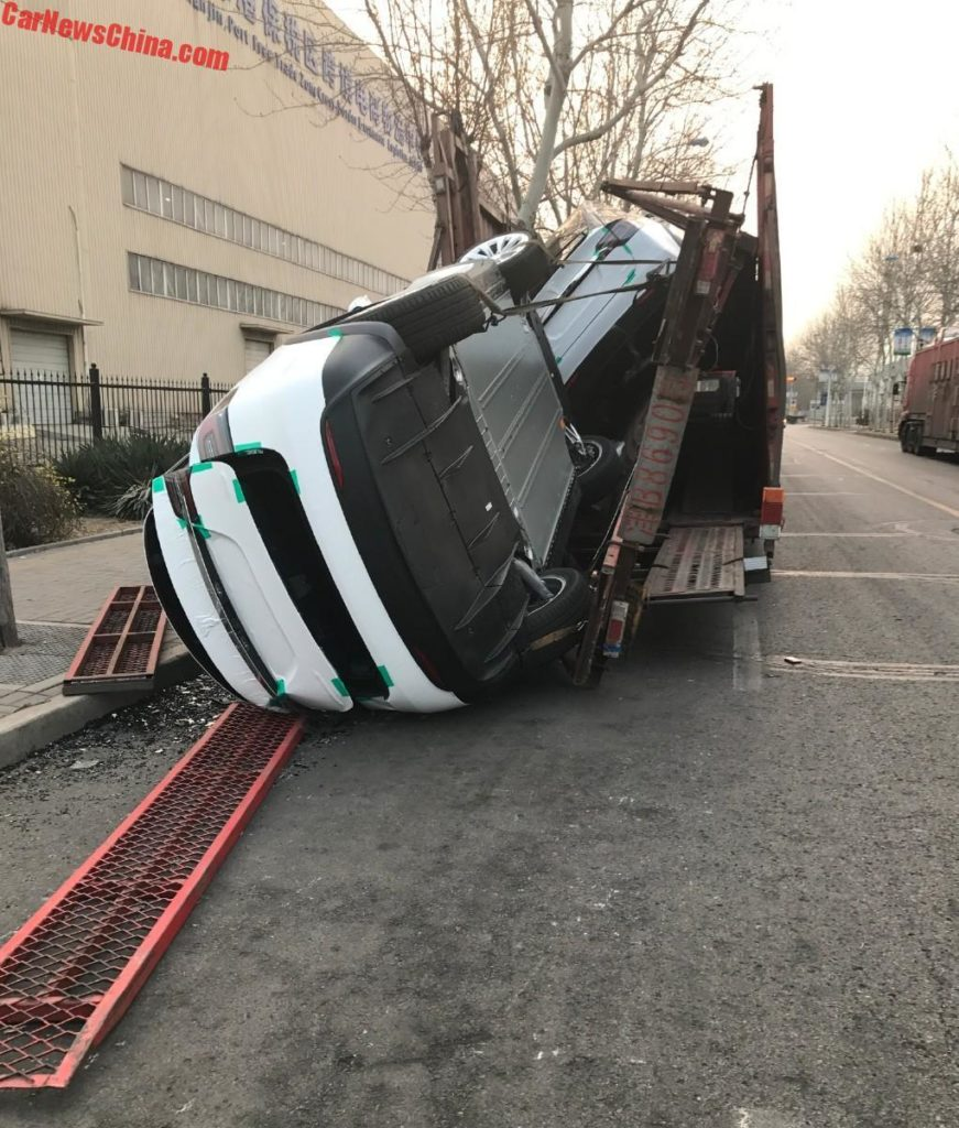 Tesla Model Xs Fall Off Chinese Transport Truck That Broke