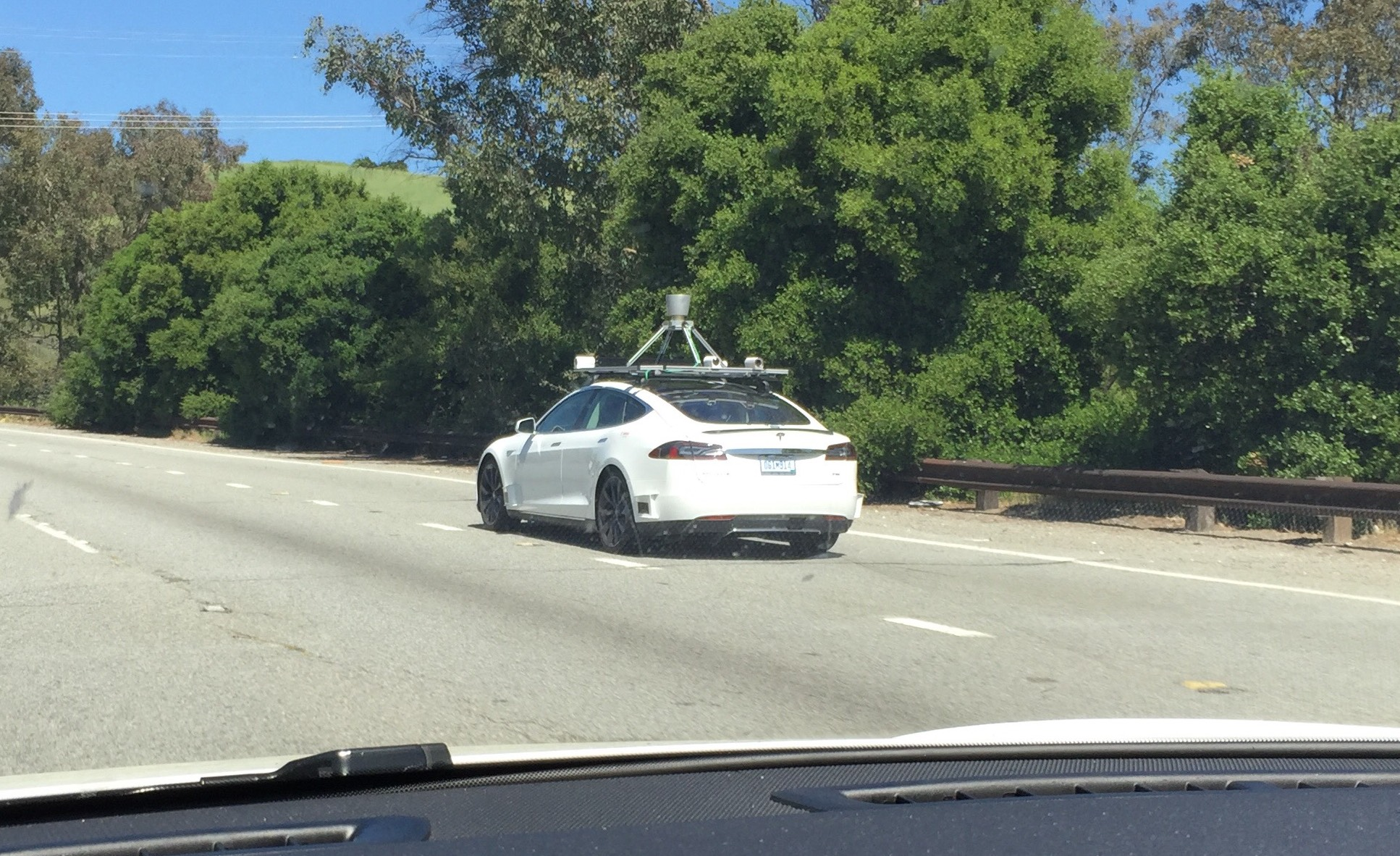 Tesla with LiDAR and mfg plate spotted testing in Palo Alto