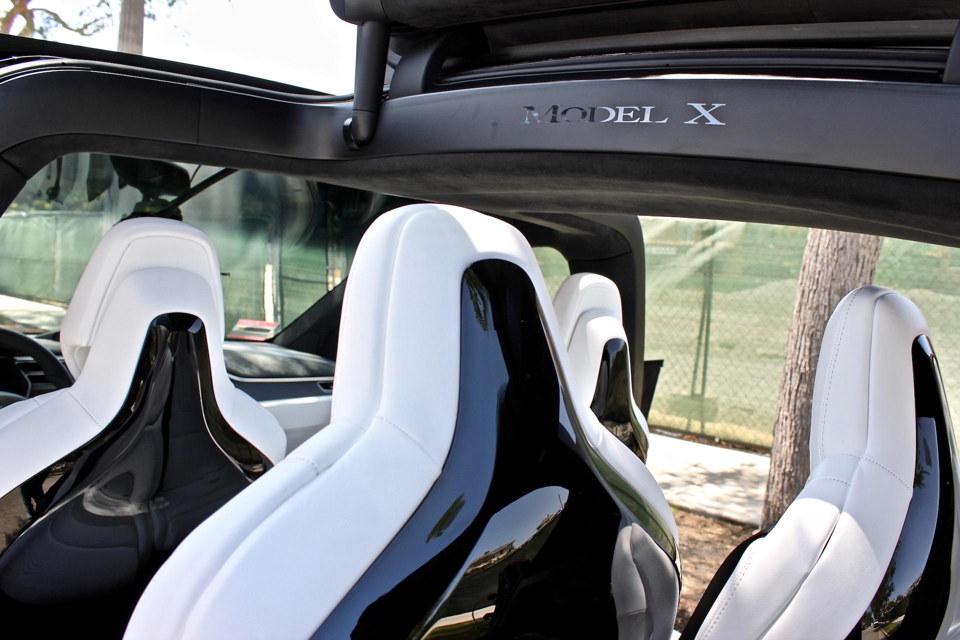tesla discontinues glossy model x seat backs for matte finish. Black Bedroom Furniture Sets. Home Design Ideas